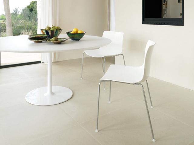 Witte ronde tafel design brouwerijdehogestins